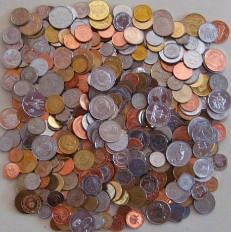 500 different world coins lot